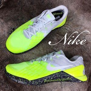 Nike Shoes Metcon 3 Mens Pure Platinum Volt Cross Poshmark